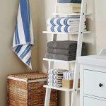 از نردبان های تزئینی در دکور حمام بزرگتان استفاده کنید